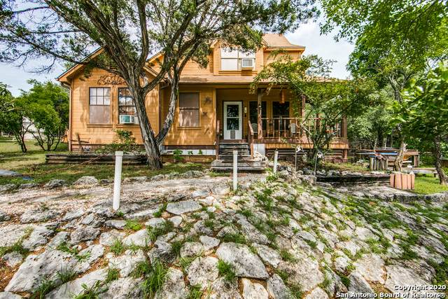 216 Live Oak Pl, Pipe Creek, TX 78063 (MLS #1460513) :: Alexis Weigand Real Estate Group