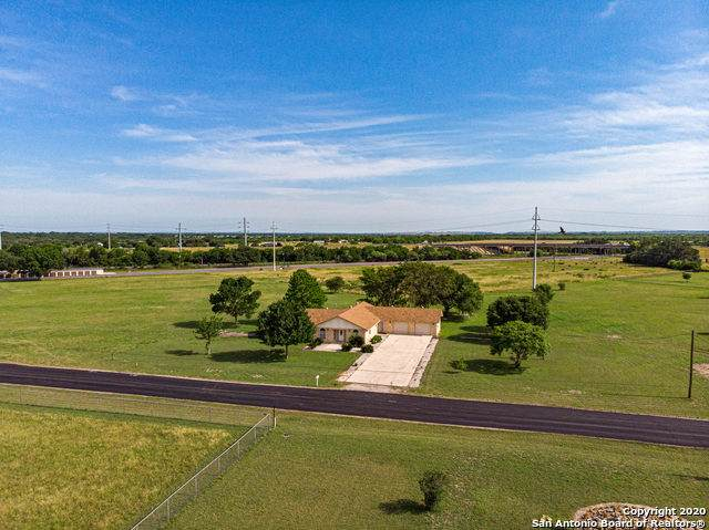 300 Sunbelt Rd, Seguin, TX 78155 (MLS #1460546) :: The Mullen Group | RE/MAX Access