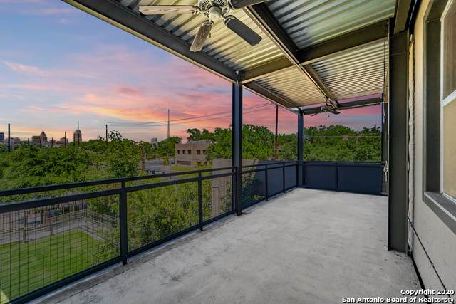 831 S Flores St #2201, San Antonio, TX 78204 (#1460574) :: The Perry Henderson Group at Berkshire Hathaway Texas Realty