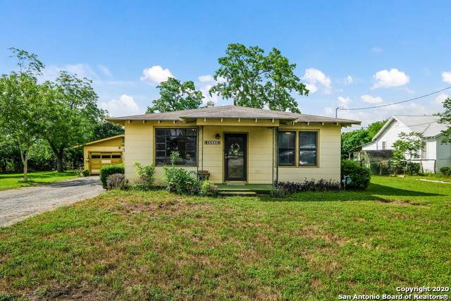 2243 Eastman Ave, New Braunfels, TX 78130 (MLS #1461299) :: Maverick