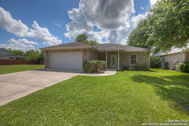 138 Greenway Dr, Seguin, TX 78155 (MLS #1462043) :: The Heyl Group at Keller Williams