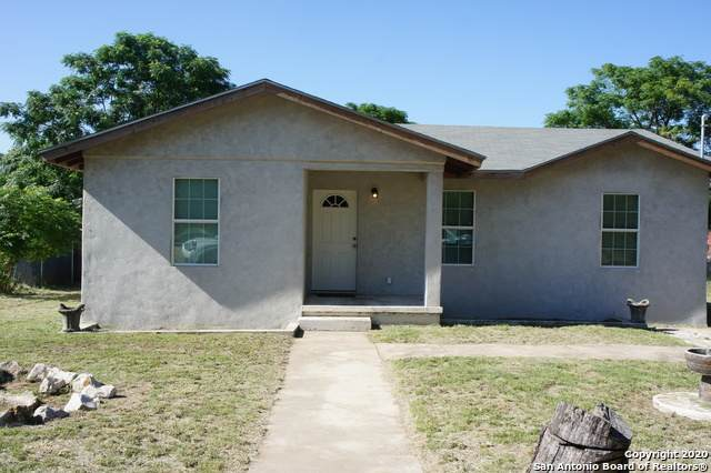 820 Crockett St, Pleasanton, TX 78064 (MLS #1462126) :: Neal & Neal Team