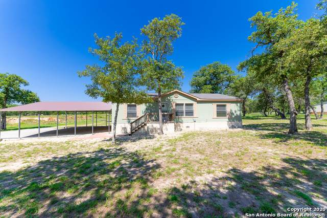 402 Hidden Deer, La Vernia, TX 78121 (MLS #1462639) :: The Heyl Group at Keller Williams