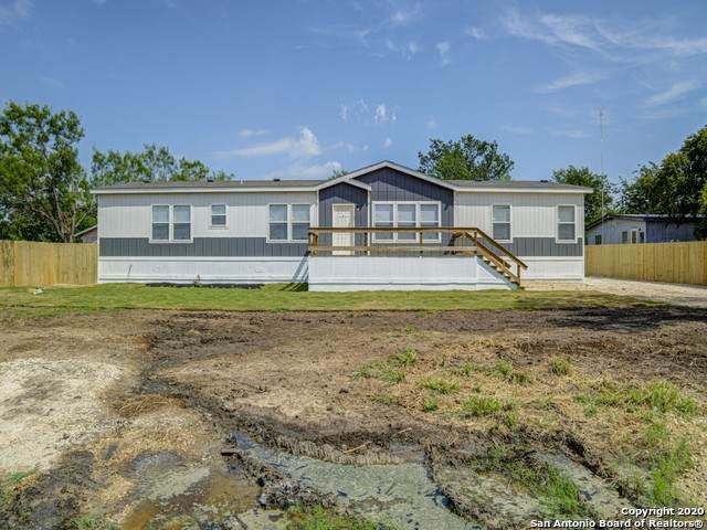 605 Mulberry St, Jourdanton, TX 78026 (MLS #1463118) :: ForSaleSanAntonioHomes.com