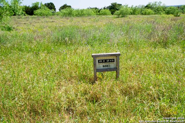 121 Wranglers Way, Burnet, TX 78611 (MLS #1463285) :: Carolina Garcia Real Estate Group