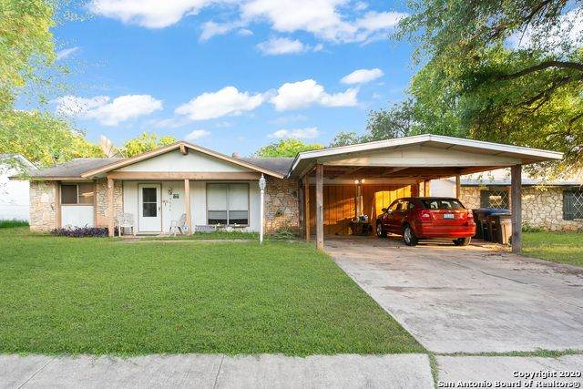 9626 Bear Creek Dr, San Antonio, TX 78245 (MLS #1463335) :: Alexis Weigand Real Estate Group