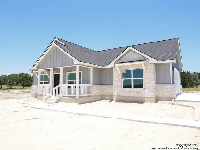 1638 Lake Ridge Blvd, Canyon Lake, TX 78133 (MLS #1463436) :: Neal & Neal Team