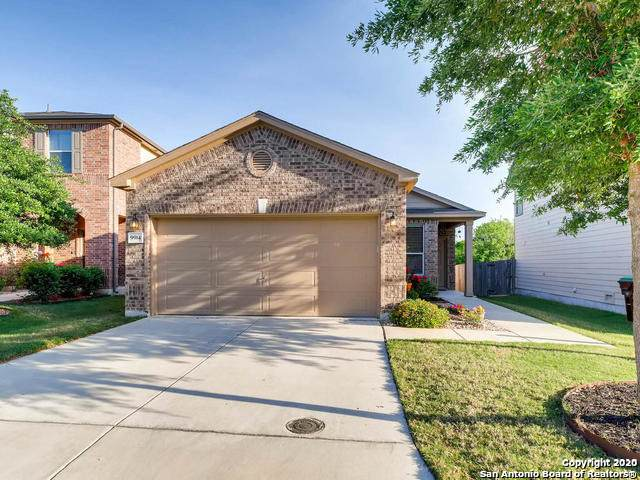 9914 Hawk Village, Converse, TX 78109 (#1463591) :: The Perry Henderson Group at Berkshire Hathaway Texas Realty