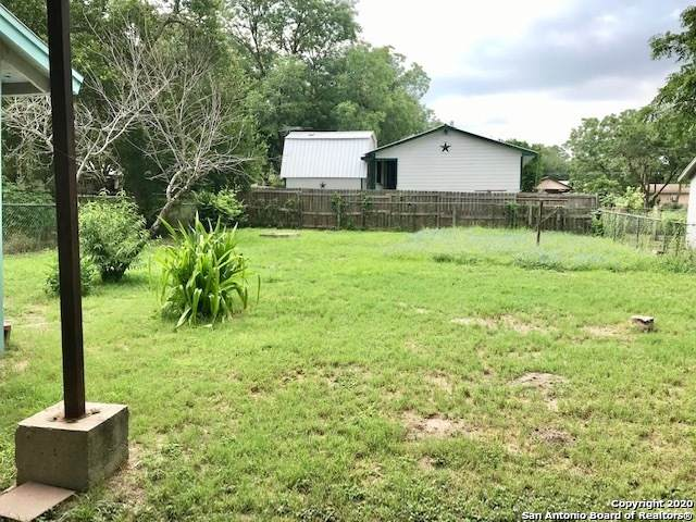 609 4TH ST, Natalia, TX 78059 (MLS #1463819) :: Reyes Signature Properties