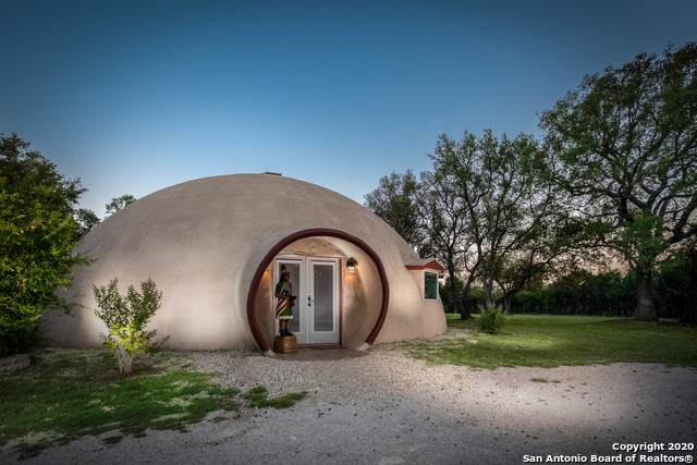 404 Private Road 3502, Hondo, TX 78861 (MLS #1464109) :: Concierge Realty of SA