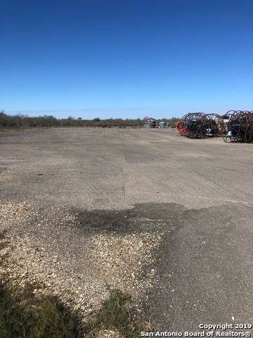5749 State Highway 97E, Floresville, TX 78114 (MLS #1464793) :: The Heyl Group at Keller Williams