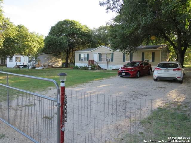 22739 Shady Forest Dr, Elmendorf, TX 78112 (MLS #1465047) :: Reyes Signature Properties