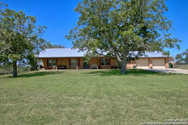 425 Hidden Oak Ln, Seguin, TX 78155 (MLS #1465278) :: Alexis Weigand Real Estate Group