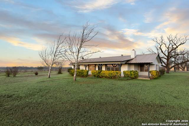 18325 Fm 471 S, Natalia, TX 78059 (MLS #1465969) :: Alexis Weigand Real Estate Group