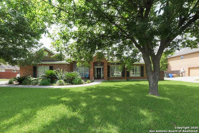180 Plantation Dr, Seguin, TX 78155 (MLS #1466047) :: Alexis Weigand Real Estate Group