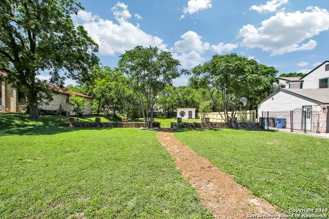 515 Club Dr, San Antonio, TX 78201 (MLS #1466379) :: The Heyl Group at Keller Williams