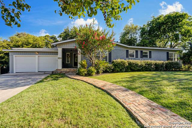 111 Bryker Dr, Terrell Hills, TX 78209 (#1466538) :: The Perry Henderson Group at Berkshire Hathaway Texas Realty