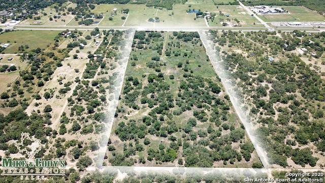 21396 State Highway 16 S, Von Ormy, TX 78073 (#1466571) :: The Perry Henderson Group at Berkshire Hathaway Texas Realty