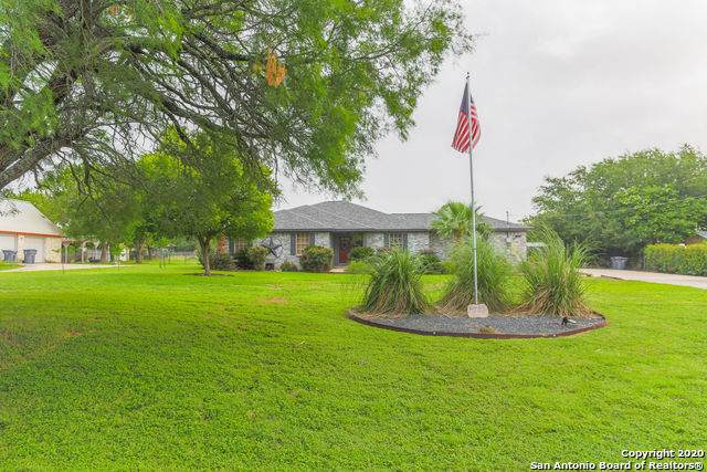 7223 Tierra Rancho, China Grove, TX 78263 (MLS #1466572) :: Neal & Neal Team