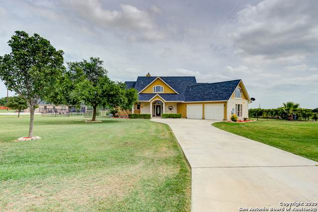 15910 Lake Shore Dr, Lytle, TX 78052 (MLS #1466981) :: Alexis Weigand Real Estate Group