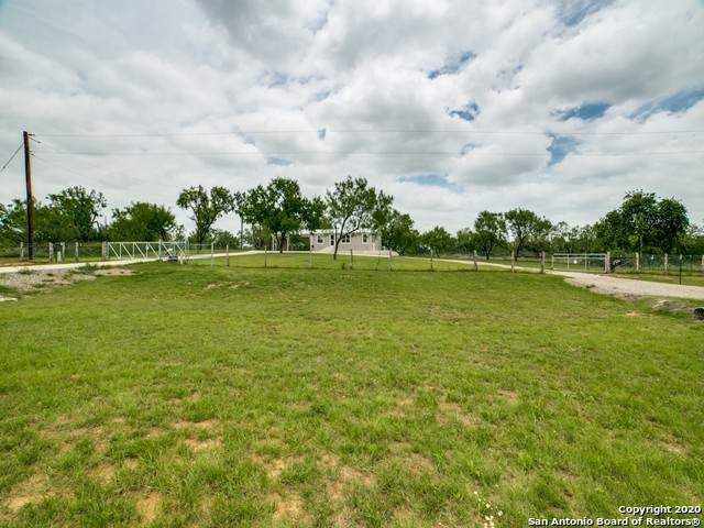 1548 Rutledge/Mangum Rd, Poteet, TX 78065 (MLS #1466995) :: The Mullen Group | RE/MAX Access