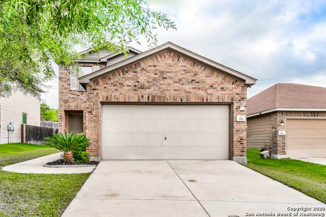 910 Sundance Hunt, San Antonio, TX 78245 (MLS #1467114) :: Alexis Weigand Real Estate Group