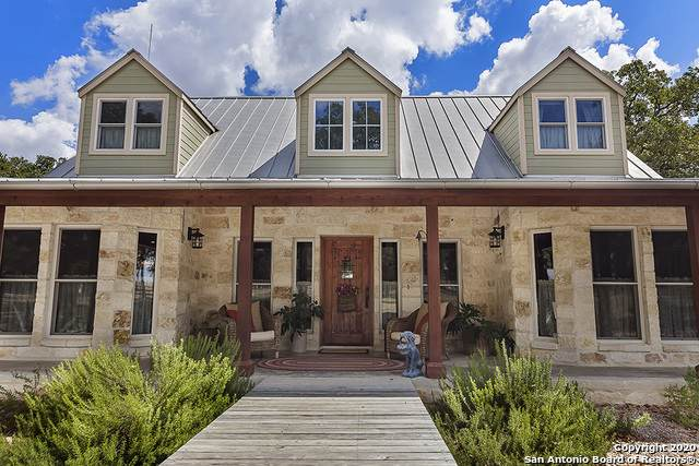 943 Woodland Dr, Fredericksburg, TX 78624 (#1467192) :: The Perry Henderson Group at Berkshire Hathaway Texas Realty