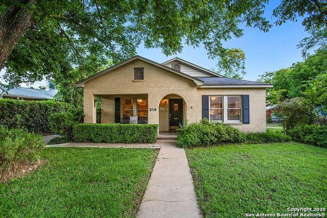 219 W Creek St, Fredericksburg, TX 78624 (MLS #1467211) :: Alexis Weigand Real Estate Group