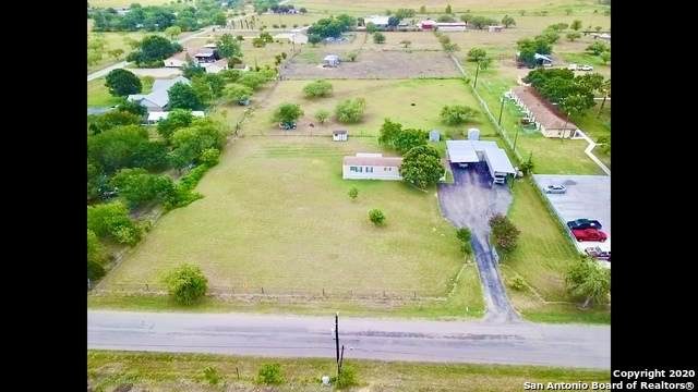 1140 Country Ln, Marion, TX 78124 (MLS #1467360) :: Alexis Weigand Real Estate Group