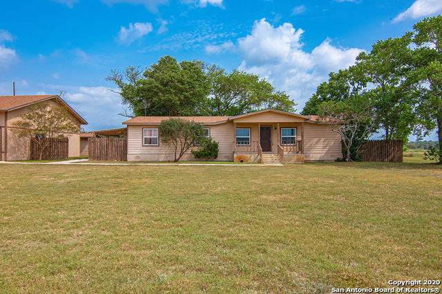 1400 Settlers Way, Seguin, TX 78155 (MLS #1467382) :: Berkshire Hathaway HomeServices Don Johnson, REALTORS®