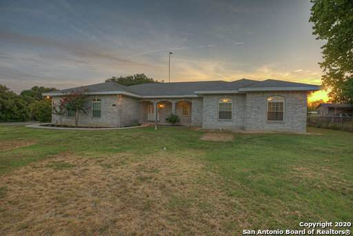 1531 Flaming Oak Dr, New Braunfels, TX 78132 (MLS #1467385) :: The Lopez Group