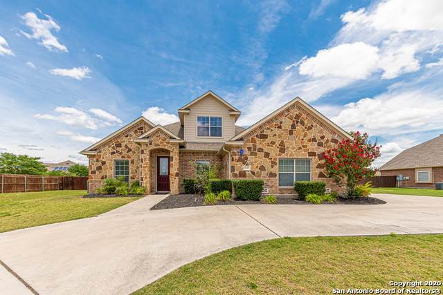 7037 Hallie Heights, Schertz, TX 78154 (#1467541) :: The Perry Henderson Group at Berkshire Hathaway Texas Realty
