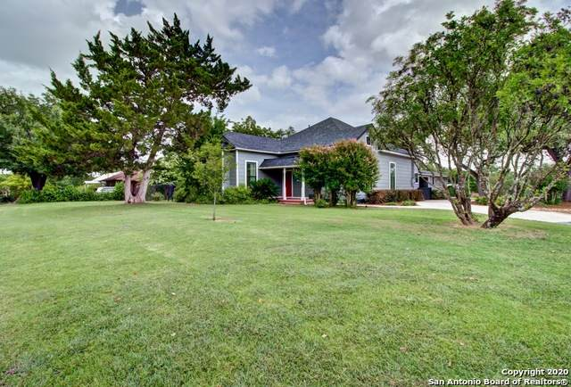 605 E Donegan St, Seguin, TX 78155 (MLS #1467743) :: Alexis Weigand Real Estate Group