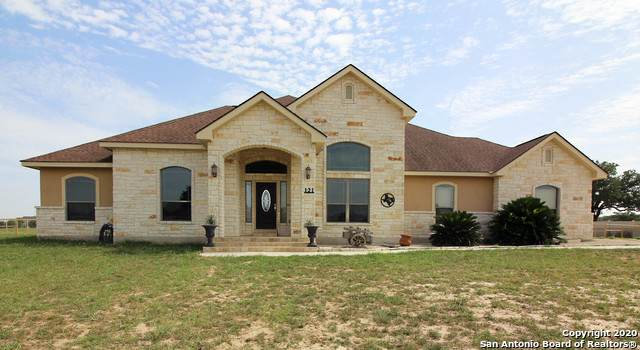 121 Vintage Trail, La Vernia, TX 78121 (MLS #1467941) :: The Gradiz Group