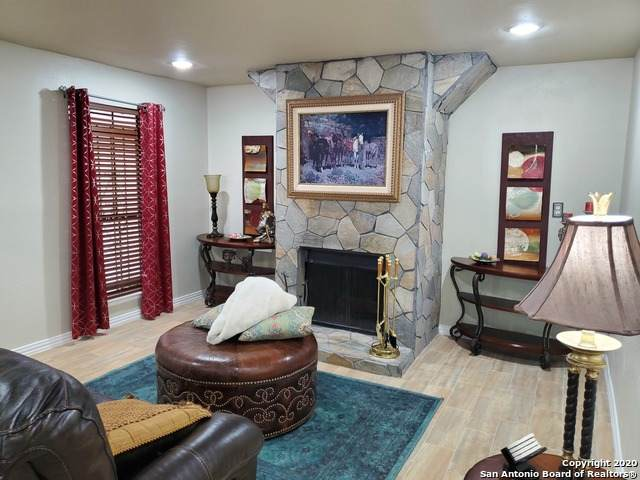 7711 Callaghan Rd #715, San Antonio, TX 78229 (MLS #1467951) :: Reyes Signature Properties