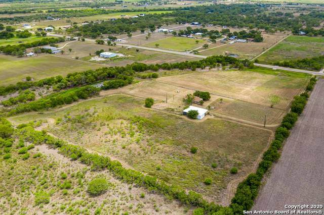17245 Fm 463, Natalia, TX 78059 (MLS #1467998) :: Alexis Weigand Real Estate Group