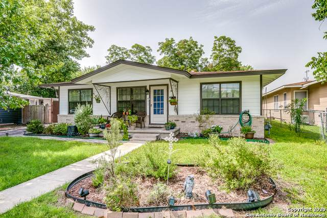 477 W Nacogdoches St, New Braunfels, TX 78130 (MLS #1468036) :: Keller Williams City View