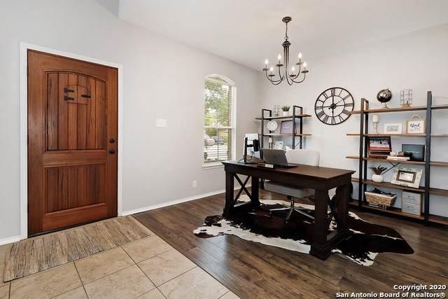 2222 Lakeline, New Braunfels, TX 78130 (MLS #1468071) :: Reyes Signature Properties