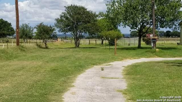 15430-B Cassiano Rd, Elmendorf, TX 78112 (MLS #1468084) :: 2Halls Property Team | Berkshire Hathaway HomeServices PenFed Realty
