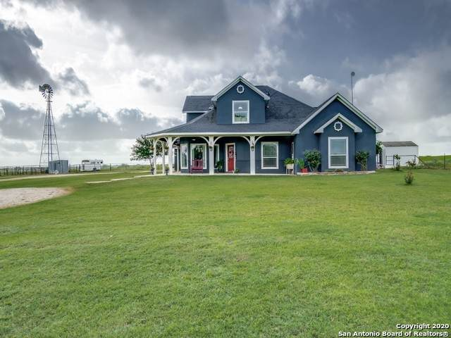 1466 County Road 104, Floresville, TX 78114 (MLS #1468168) :: Legend Realty Group