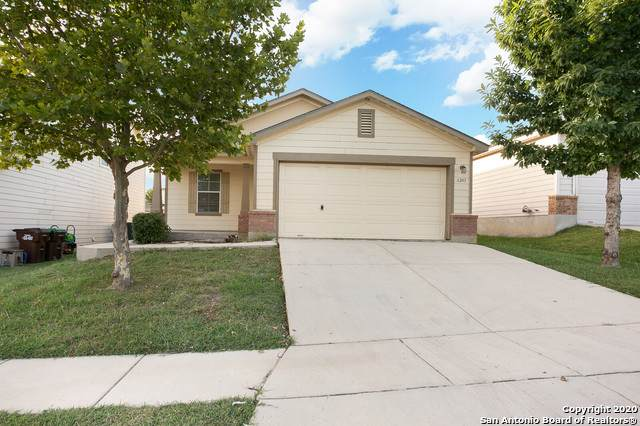 6243 Wildgrass Spur, San Antonio, TX 78244 (MLS #1468275) :: Reyes Signature Properties
