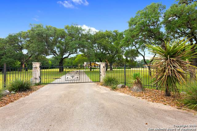 30 Cascade Caverns Rd, Boerne, TX 78015 (MLS #1468360) :: The Castillo Group