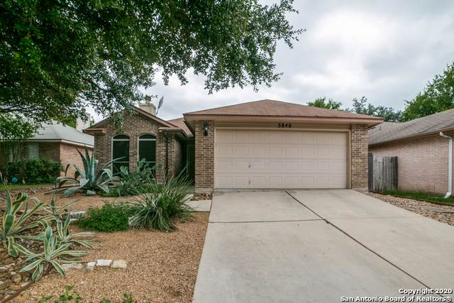 5846 Larkmeadow Dr, San Antonio, TX 78233 (#1468386) :: The Perry Henderson Group at Berkshire Hathaway Texas Realty