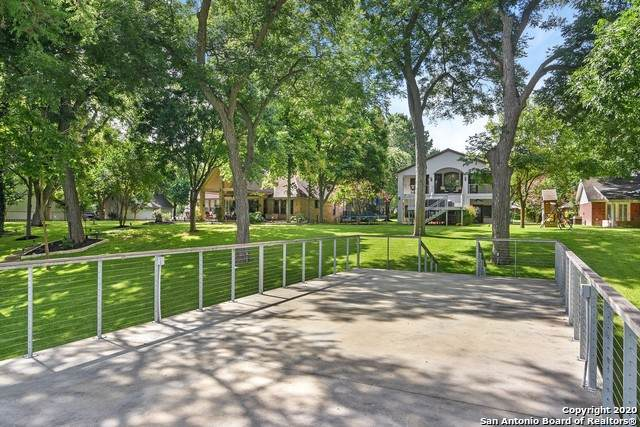 612 Woodlake Dr, McQueeney, TX 78123 (MLS #1468484) :: The Lugo Group