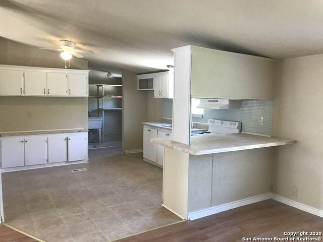 1140 County Road 4511, Hondo, TX 78861 (MLS #1468516) :: The Mullen Group | RE/MAX Access