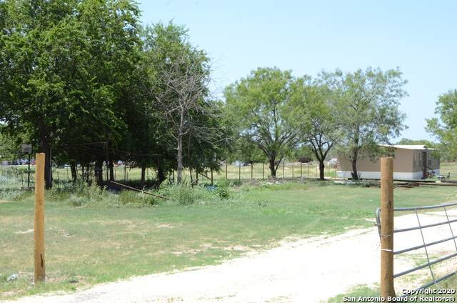 17157 Benton City Rd, Von Ormy, TX 78073 (MLS #1468526) :: Alexis Weigand Real Estate Group