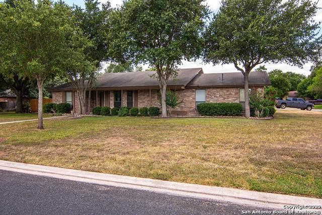 506 Elmwood Dr, Seguin, TX 78155 (MLS #1468690) :: The Gradiz Group