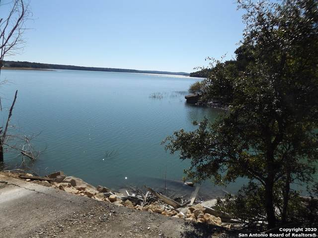 37 Peninsula Drive, Bandera, TX 78003 (MLS #1468780) :: Exquisite Properties, LLC