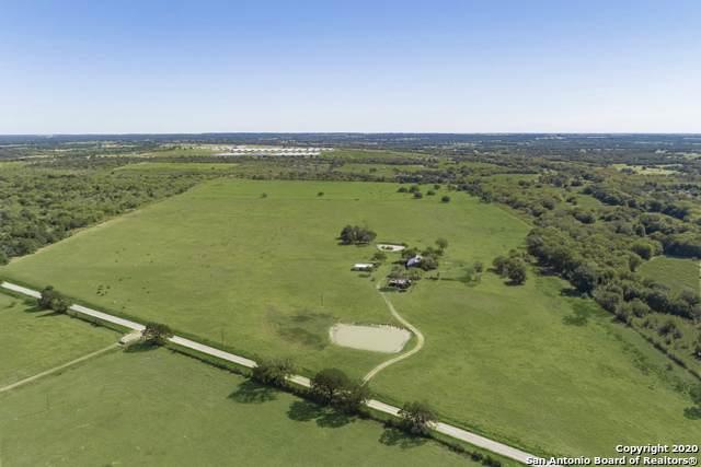 1095 County Road 405, Flatonia, TX 78941 (MLS #1469093) :: Carolina Garcia Real Estate Group