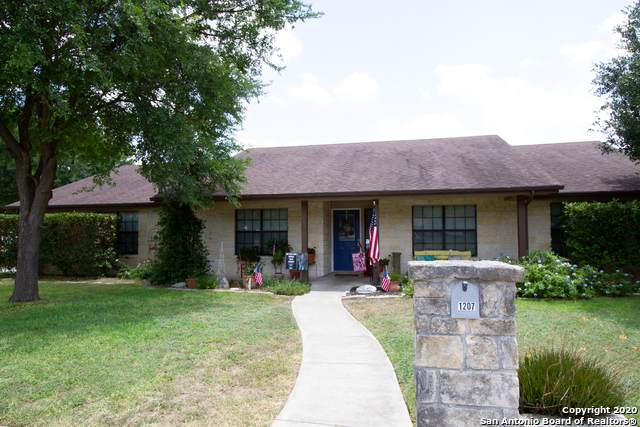 1207 32ND ST, Hondo, TX 78861 (MLS #1469160) :: Exquisite Properties, LLC